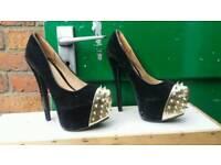 V.high heels, size 4