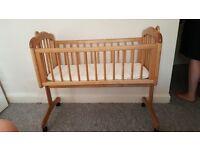 Wooden Swing crib +wheels