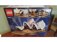 Lego Sydney Opera House 10234 - very collectible