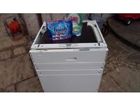 Zanussi built-in dishwasher for quick SALE! Free Finish and Fairy to go with it! Only £50