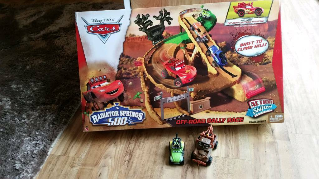 Disney Cars Radiator Springs Off-road Rally Race includes Extras