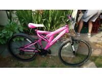"""Adult Ladies Muddyfox Aphrodite 26"""" bike in pink."""