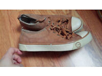 Ugg trainers size 4