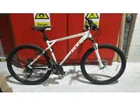 Gt avalanche elite mountain bike £280 ono