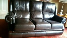 Lovely sherborne leather suite