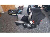 Graco Evo Car Seat and Graco iso-fix base - great condition.