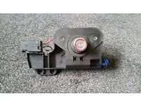 Vauxhall Corsa C 2001-2006 Tailgate Boot Lock Mechanism / Motor - Fully working