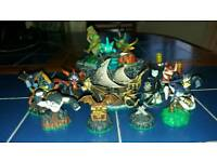 Skylanders Bundle 13 Figures & Power Portal Including Spyro's Pirate Seas Adventure