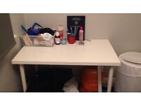White study desk in perfect conditions on sale