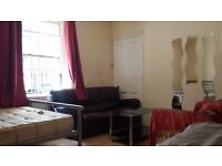 Twin room Share for 1 Person Avail in West Kensington /Baron's Court