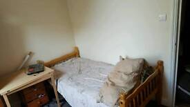 Single Room to rent for the summer months