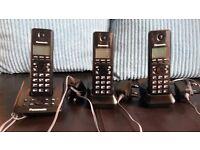Panasonic KX-TG2723EB set of 3 cordless phones