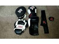 Sparring gloves/pads