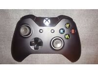 Xbox One controller with 3.5mm jack (boxed)