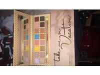 Kylie J Eye shadow Palette