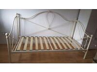 Metal day bed (no mattress)