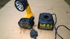 USED DEWALT WORK LIGHT, BATTERY AND CHARGER.