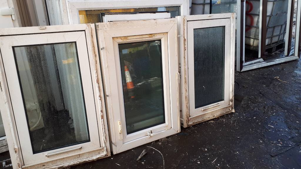 Upvc windows 2 clear 1 frosted