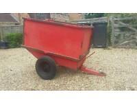 Ride on mower garden tractor tipping trailer