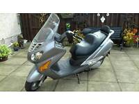 HYOSUNG 125cc scooter learner legal full mot