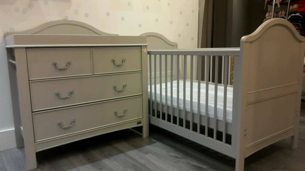 East Coast Toulouse Cot Bed And Dresser New