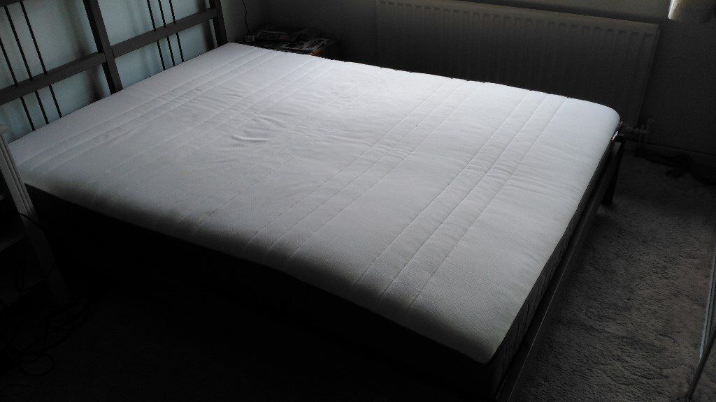 double matress, pocket sprung - Belfast -almost new, quality mattress, great for the back