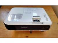 Epson EB-S04 Projector (SVGA, 3LCD, 15000:1 Contrast, 3000 Lumens) Home Cinema USED LIKE NEW