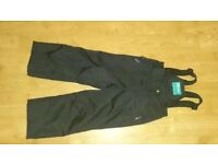 Mountain Warehouse Kids Snow Pants (Raptor) size 3-4, black