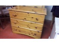 Lovely pine three drawer chest in great sturdy condition