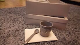 8 Coffee cup with spoons and saucers