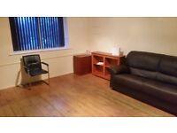 2 bed flat heston hounslow heathrow newley decorted- clean tidy spacious