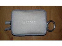 """GREAT CONDITION""(£40) Sony Cyber DSC-T70 8.1MP Digital Still/ Video Camera Carl Zeiss + Whole SET."