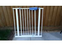 Lindam Easy Fit Safety Gate in good condition.