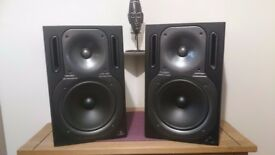 BEHRINGER TRUTH B2031A Active 2-Way Reference Monitor Speakers Perfect Condition