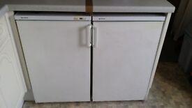 Matching white 50cm fridge+50cm freezer