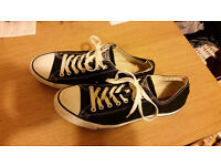 Converse low top trainers UK size 11