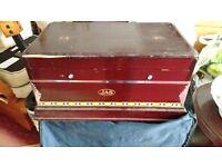 1930? Squeeze box/organ