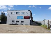 warehouse and workshop with offices London Romford, 1940 Sq ft & 3800 Sq Ft