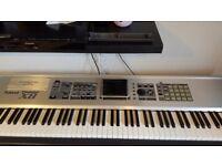 Roland fantom X8