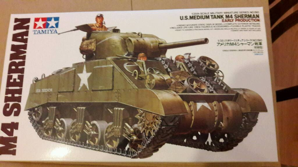 M4 Sherman 1:35 scale model kit