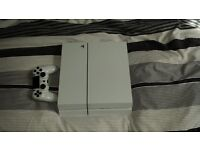 White ps4 with controller and wires 500g