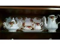 Royal Doulton English Rose bone China full set