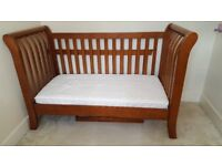 COTBED + MATTRESS + CHEST WITH REMOVABLE CHANGER