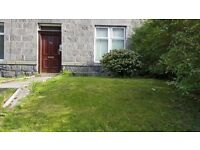 2 bedroom ground floor garden flat