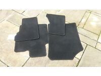 toyoto yaris mats for sale hardly used very clean