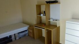 5 Large full furnished rooms avaliable with all bills included