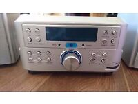 Compact Silver CD-Player with FM Radio (Great Condition)