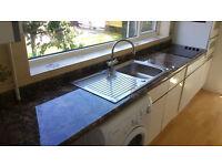 Cardiff Handyman - (Maintenance, Kitchen fitter, Carpenter, Builder, Decorator...)