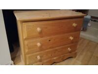Solid pine chest of drawers - Good condition £10