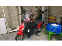 Moped Piaggio Zip 100.